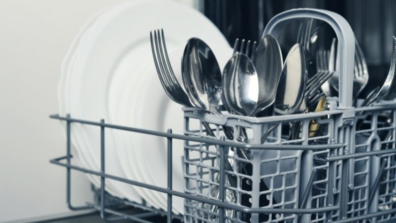 Does a Dishwasher Use Hot Water